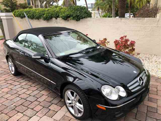 Picture of 2007 E-Class located in Connecticut Auction Vehicle Offered by Napoli Classics - MVWY