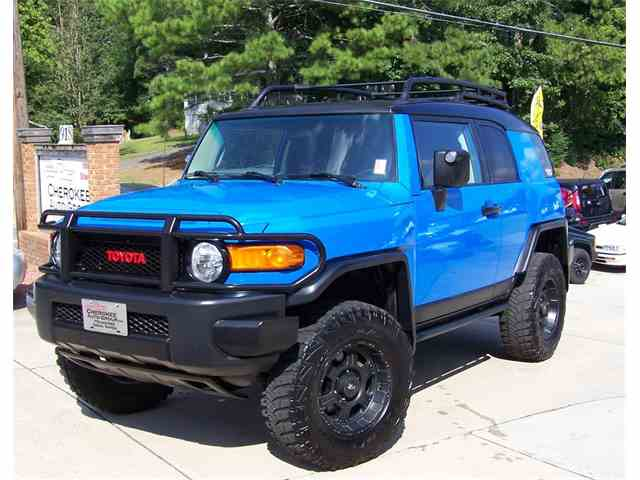 classic toyota fj cruiser for sale on. Black Bedroom Furniture Sets. Home Design Ideas