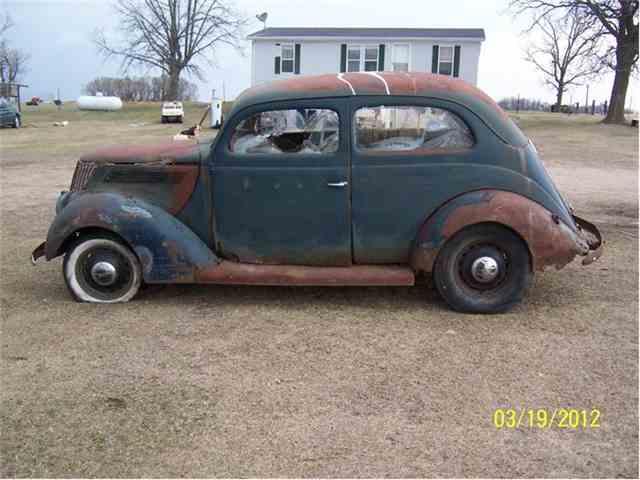 1937 Ford Tudor | 120680