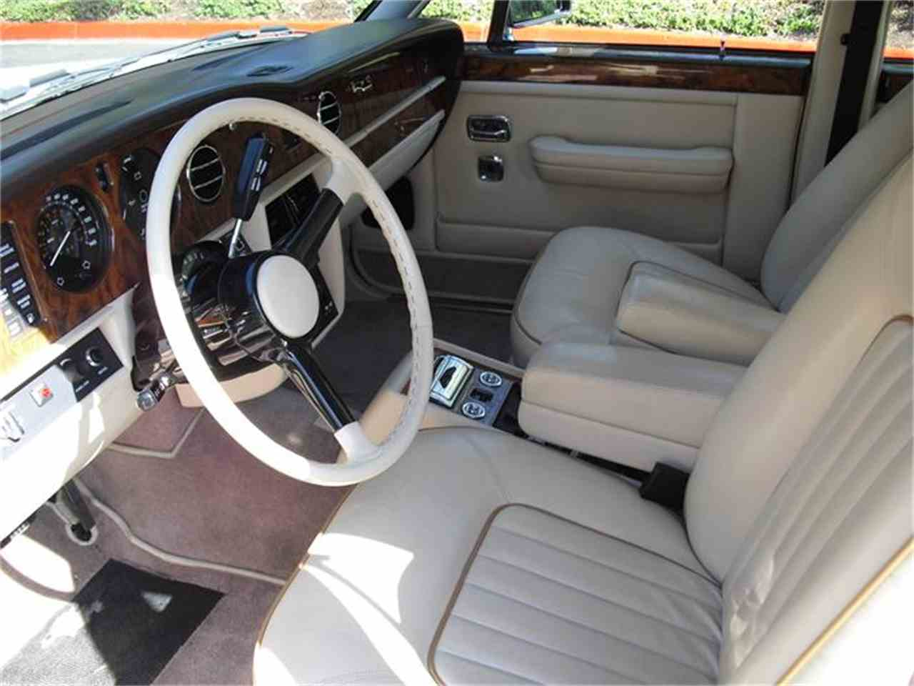 Large Picture of 1988 Rolls Royce Silver Spur located in California - 6IIU