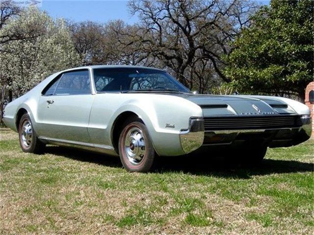 1966 Oldsmobile Toronado | 352388