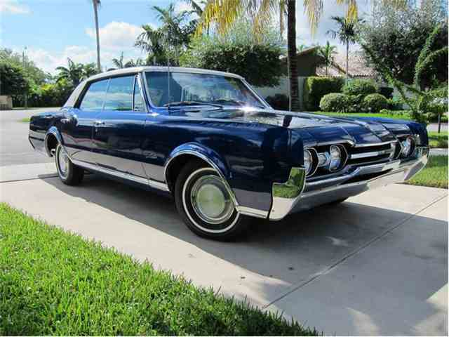 1967 Oldsmobile Cutlass Supreme | 372594
