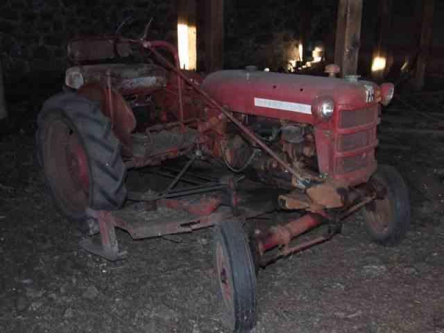 1947 International Tractor | 384983