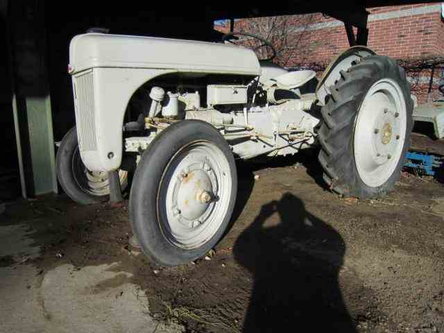 1940 Ford Tractor | 551666