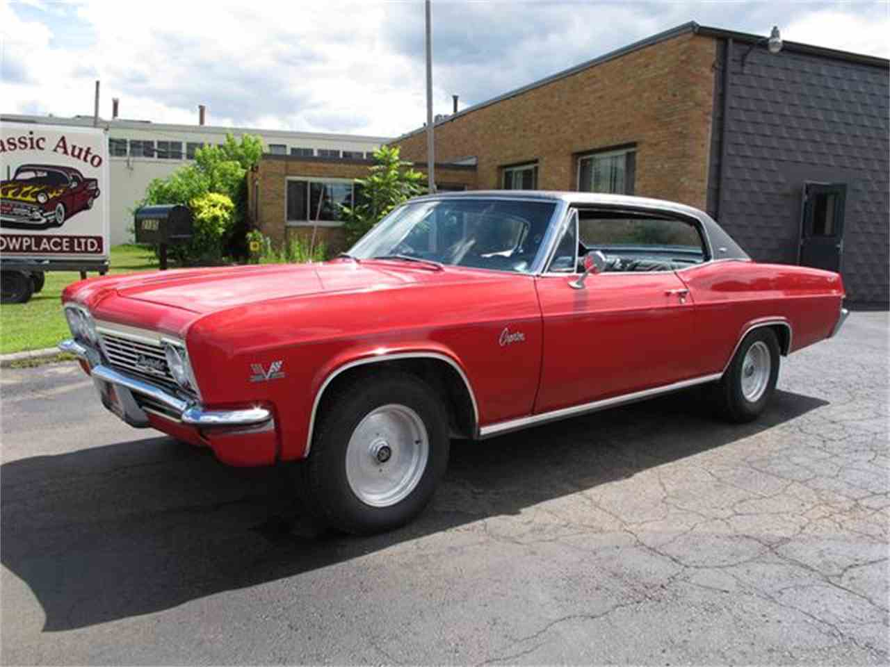 1966 Chevrolet Caprice For 2 Door Sale Classiccarscom Cc558955