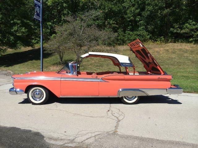 1959 Ford Skyliner | 587174