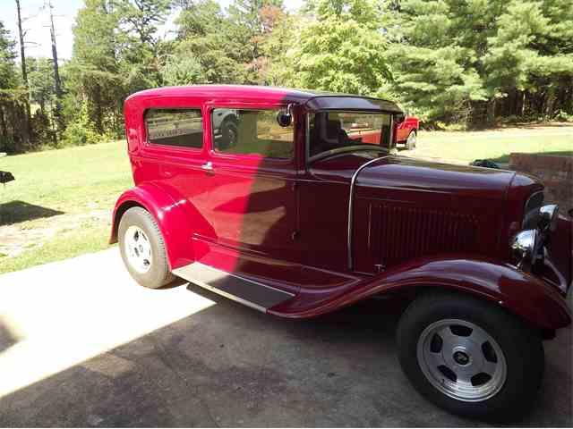1930 Ford Sedan | 587436