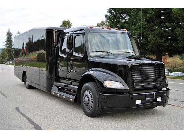 2010 Freightliner M2 112 | 588634