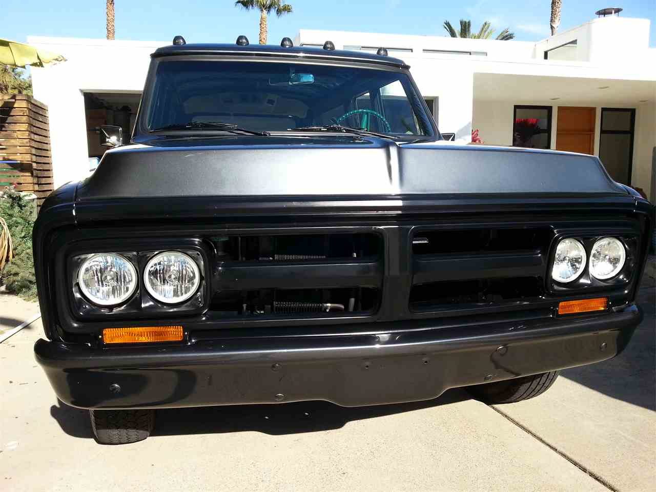 Large Picture of 1972 GMC Suburban - COM9