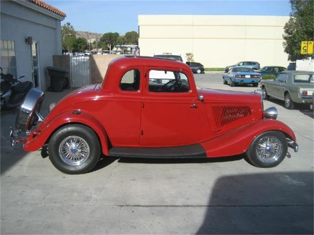 1934 Ford 5-Window Coupe | 607912
