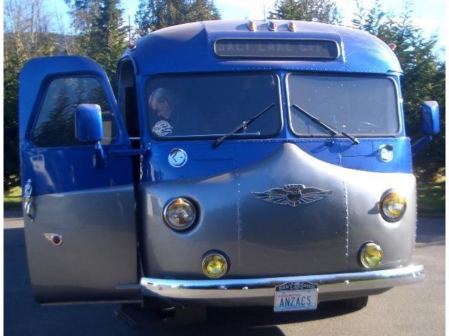 1945 Custom Bus | 620805