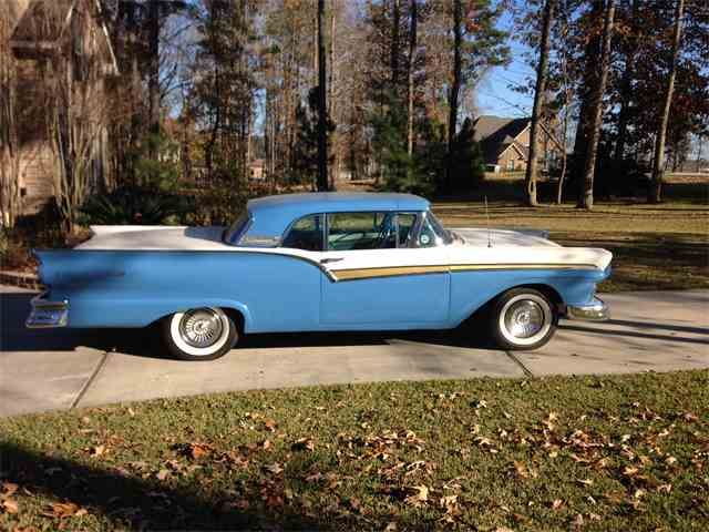 1957 Ford Fairlane 500 Skyliner | 628618