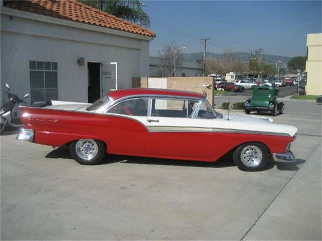 1957 Ford Fairlane 500 | 632639