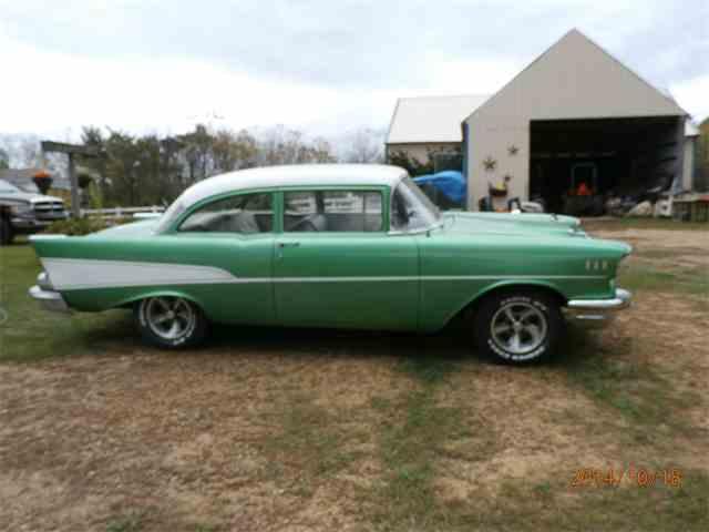1957 Chevrolet 210 | 639093