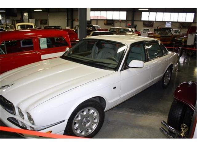 2001 Jaguar XJ8 | 643277