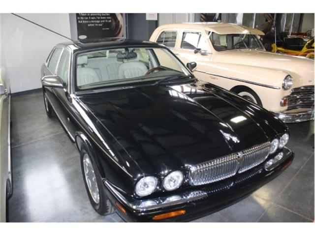 1998 Jaguar XJ8 | 643278