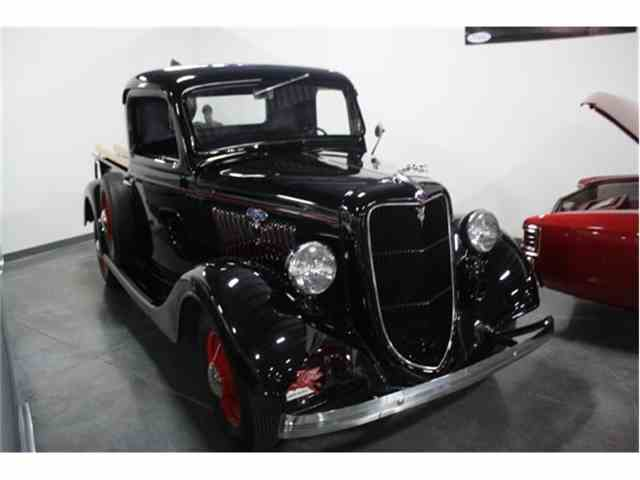 1935 Ford Pickup   643288