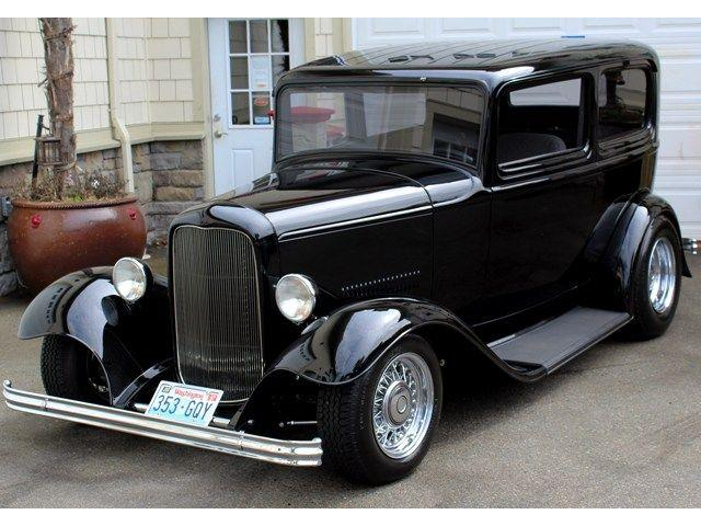 1932 Ford Sedan | 643976