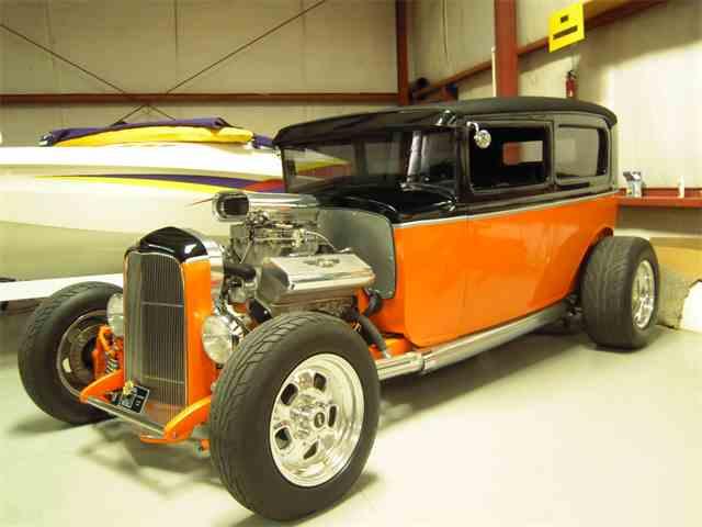 1932 Ford 2-Dr Sedan | 645589