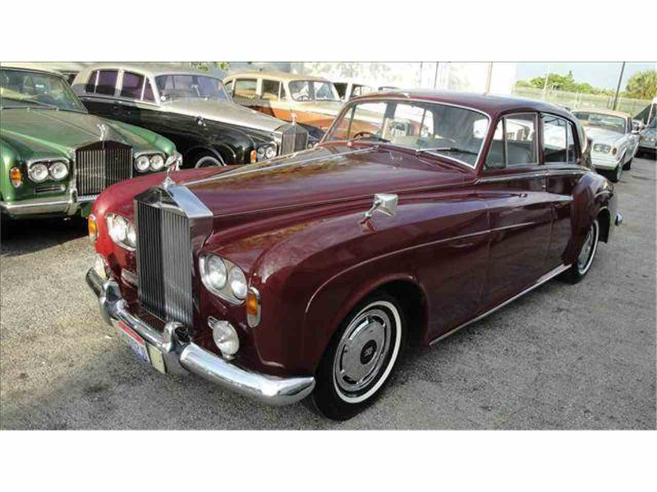 Large Picture of '63 Silver Cloud III - DZYK