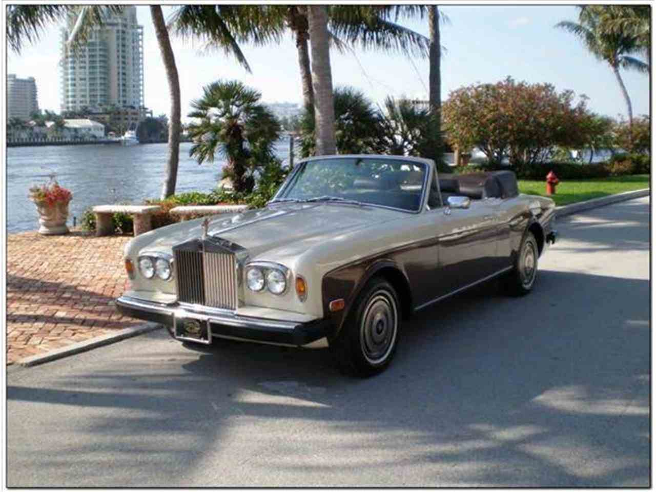 1981 rolls royce corniche for sale cc 653135. Black Bedroom Furniture Sets. Home Design Ideas