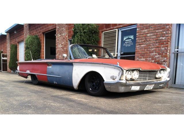 1960 Ford Sunliner | 656422