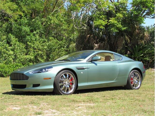 2005 Aston Martin DB9 | 657116