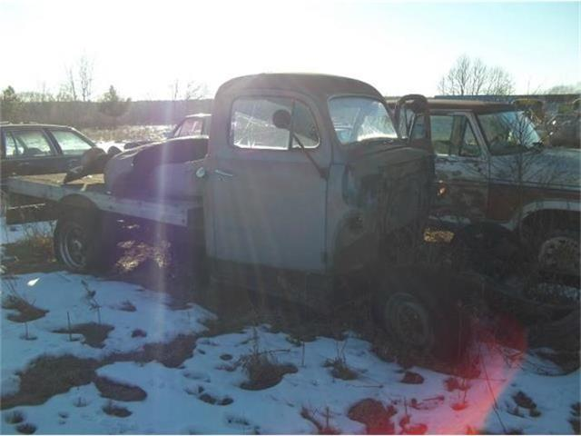 1955 Ford Fairlane   657611