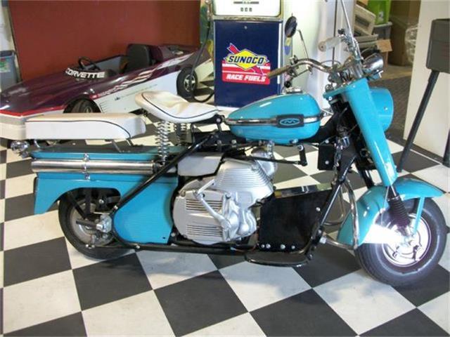 1962 Cushman Motorcycle | 659670