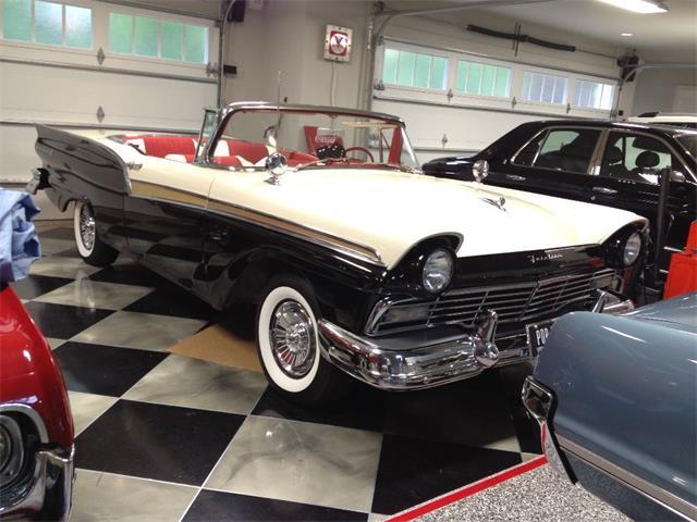 1957 Ford Fairlane 500 | 660100