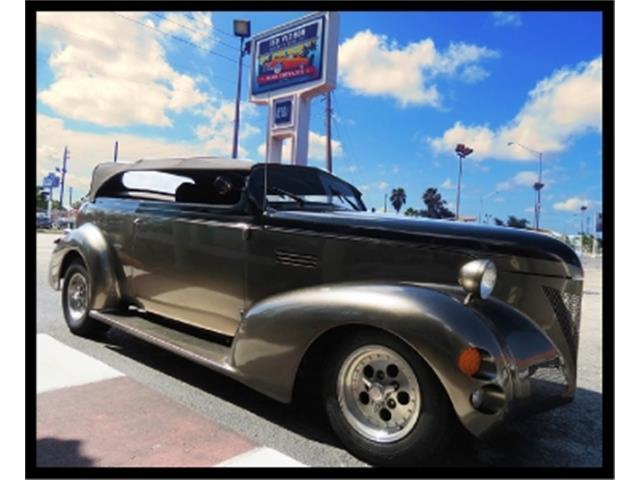 1939 Pontiac Custom | 660366