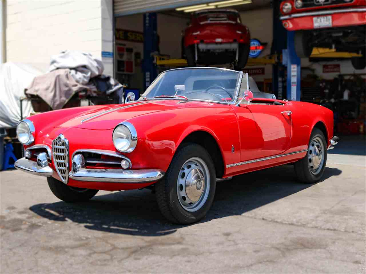 1960 alfa romeo giulietta spider for sale cc 665150. Black Bedroom Furniture Sets. Home Design Ideas