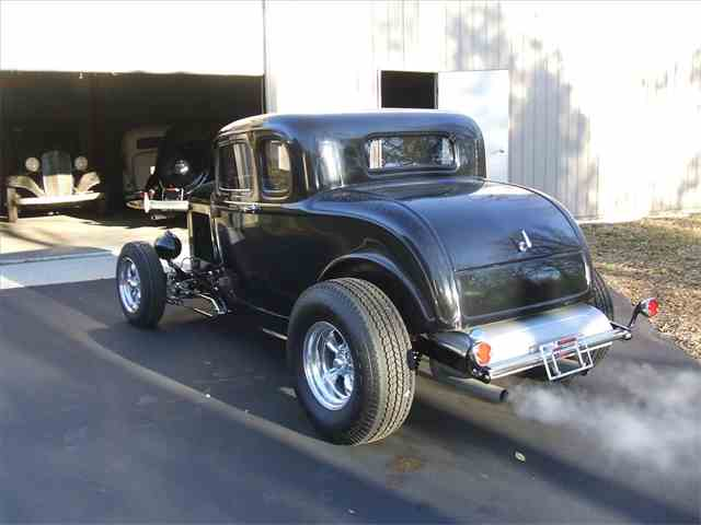 1932 Ford 5-Window Coupe | 666794