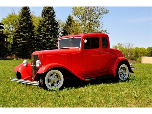 1932 Ford 5-Window Coupe | 666846