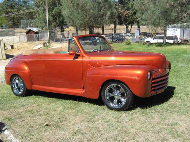 1946 Ford Convertible | 673694