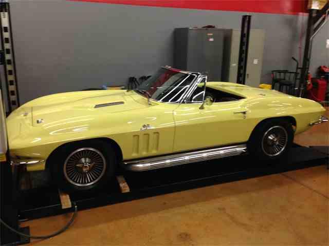 1966 Chevrolet Corvette Stingray | 674192