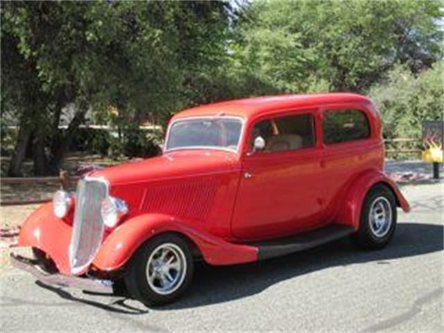 1933 Ford 2-Dr Sedan | 678189