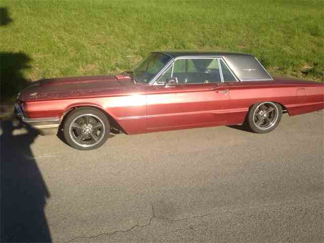 1964 Ford Thunderbird | 678316