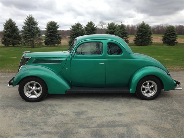 1937 Ford 2-Dr Sedan | 678630