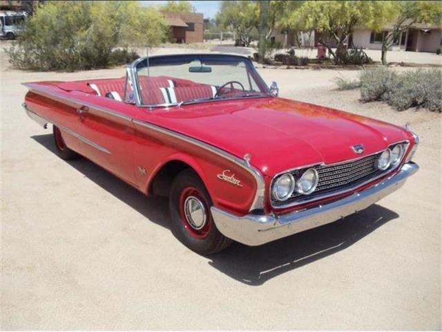 1960 Ford Sunliner | 688211