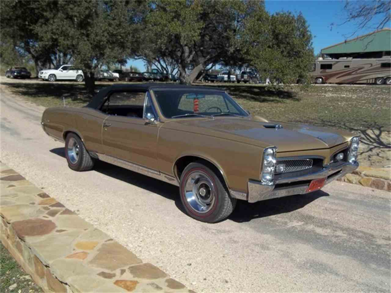 Large Picture of '67 GTO - ET97