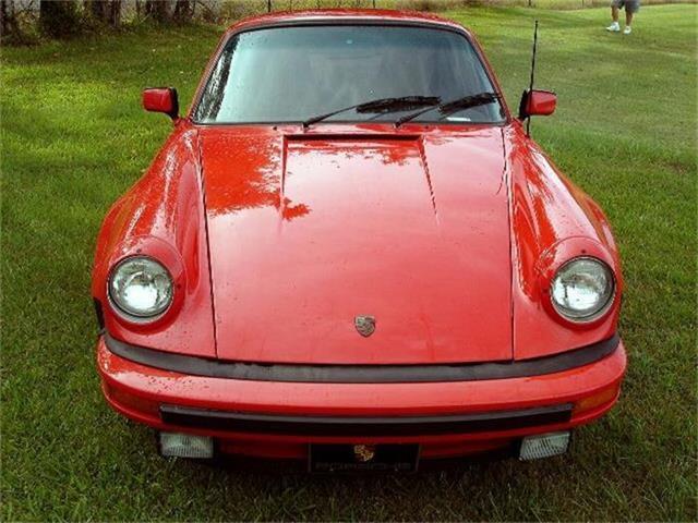 1975 Porsche 911 | 691110
