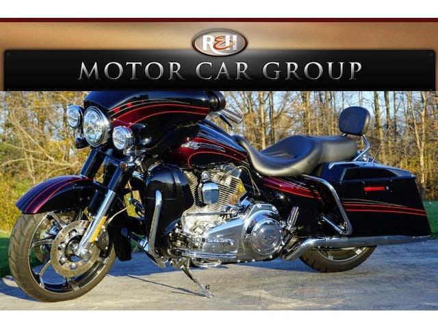 2011 Harley-Davidson CVO Street Glide | 691176