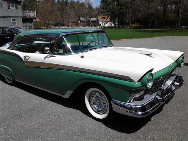 1957 Ford Fairlane 500 | 691984