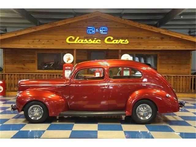 1940 Ford Sedan | 690249