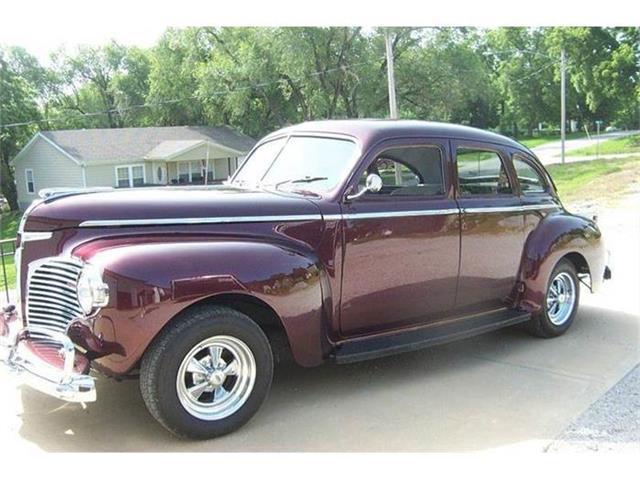 1941 Dodge Luxury Liner   690289