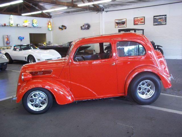 1951 Ford Anglia   690425