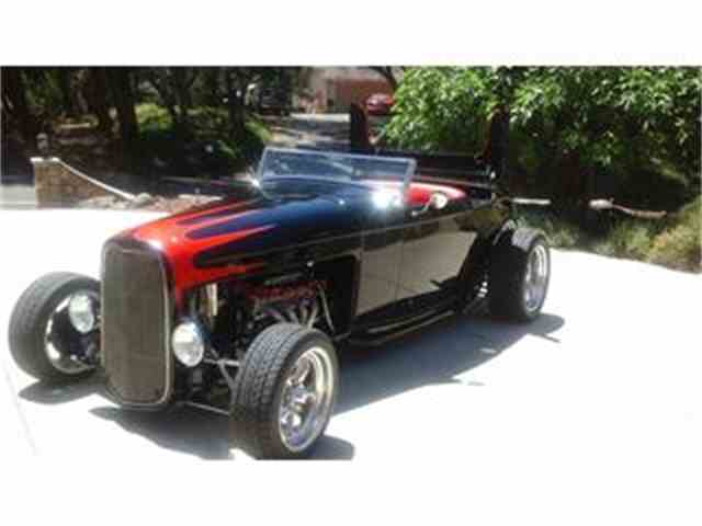 1932 Ford Roadster | 690474