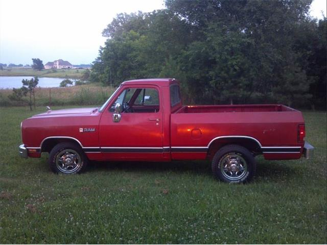 1989 Dodge Pickup   695522