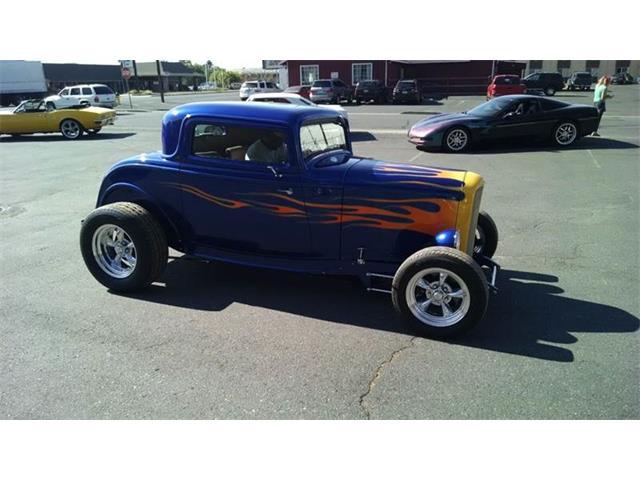 1932 Ford Tudor | 696346